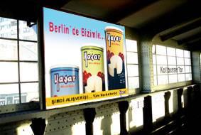 Plakatwerbung für Türken